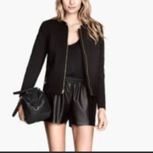 H&M Divided Quilted Crop Black Jacket.